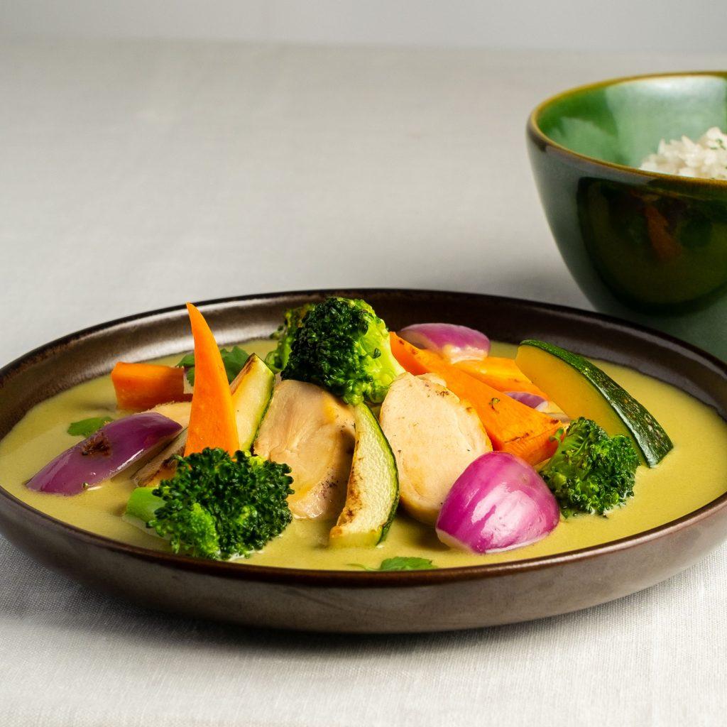 Pollo al curry verde tailandés