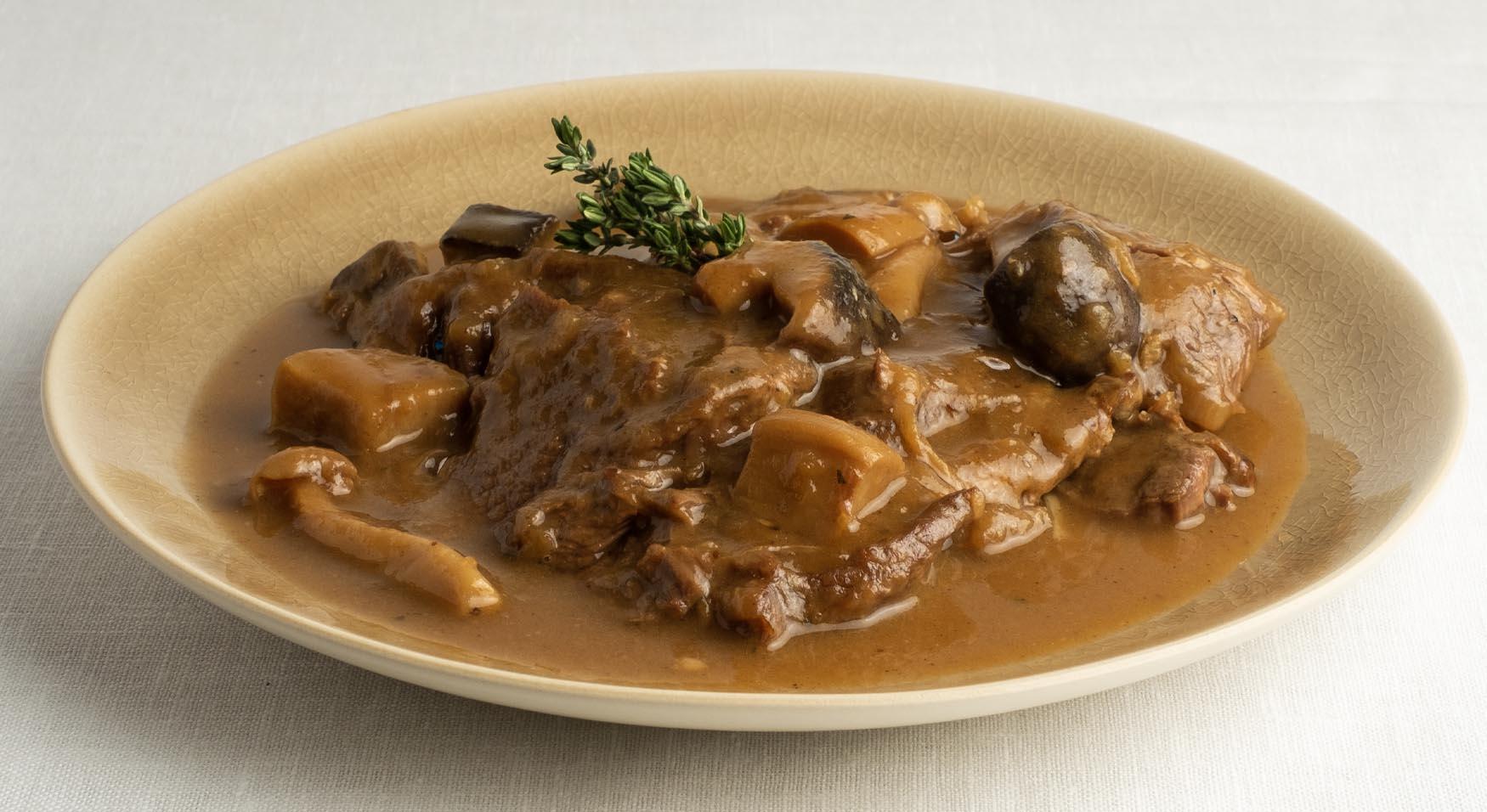 Fricandó tradicional con carne de Girona